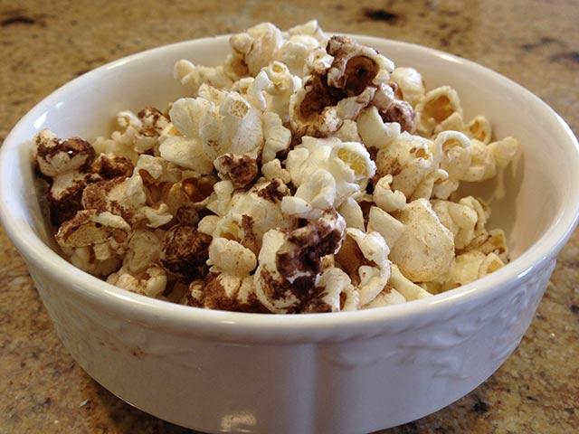 Chocolate Shakeology Drizzled Popcorn